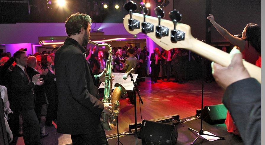 soirées dansantes, réceptions, soirée à thème, soirées musicales, live show